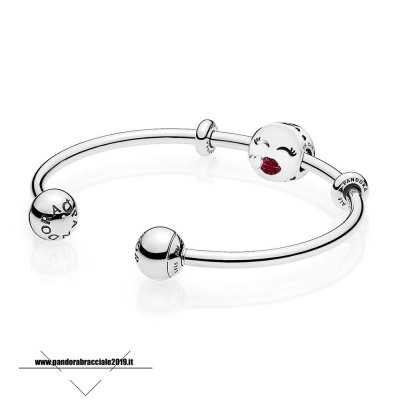 Sito Pandora Ciondoli Cute Bacio Open Bangle Regalo